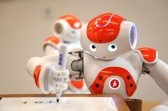 Een NAO die schrijft....! Nao is een Aldebaran robot, die je blijft verbazen door wat hij allemaal kan!