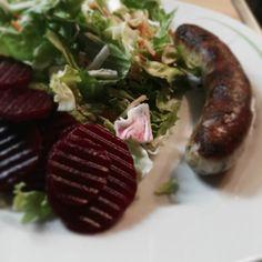 Lecker Salat essen  #lowcarb #sizehero #fashiongram #salat #lecker #gesund #instagood #insta4like #instagramers #schmeckenlassen by beautifulzicke94