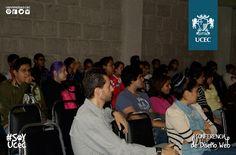Alumnos de diseño asisten a conferencia de DISEÑO WEB impartida por  el LDG Julio Edgar Méndez.