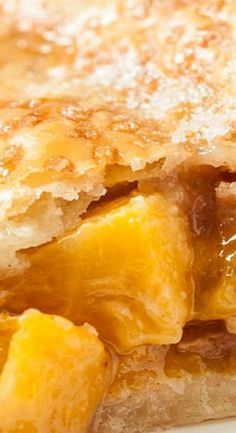This Fresh Peach Pie with Flaky Butter Crust is a standout recipe that's supremely peachy. Everyone loves great crust, and this one's so flaky good. Fresh Peach Pie, Peach Pies, Peach Cobblers, Pie Dessert, Dessert Recipes, Just Desserts, Delicious Desserts, Peach Pie Recipes, Cat Recipes