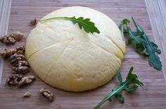 Ser żółty : Składniki: 1000 g mleka 3,2% 1000 g tłustego sera 100 g masła 1 łyżeczka soli 1 łyżeczka sody oczyszczonej 2 jajka 100 g gęstej śmietany 18% Wykonanie: Do. Przepis na Ser żółty Honeydew, Camembert Cheese, Kefir, Fruit, Food, Thermomix, Essen, Meals, Yemek