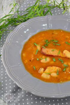 Ciorba de fasole, cu afumatura si tarhon - CAIETUL CU RETETE Romanian Food, Thai Red Curry, Bacon, Ethnic Recipes, Pork Belly