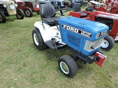 Lawn Mower Tractor, Small Tractors, Ford Tractors, Lawn And Garden, Old Antiques, Outdoor Power Equipment, Mini, Vintage, Tractors