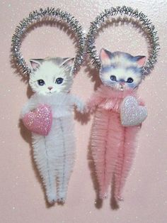 Chenille Pipe cleaner Kitty Cat ornament >>> Oh my god, I am so making like a million of these this year, for my fabulous white tree and to send as gifts. Valentine Day Crafts, Vintage Valentines, Holiday Crafts, Cat Valentine, Secret Valentine, Valentine Ideas, Kitsch, Pink Christmas, Vintage Christmas