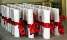 L'ancien dirigeant de Cartier s'allie avec le Sawi pour ouvrir la première antenne de l'Institut supérieur du marketing du luxe à Genève. Une antenne de la Sport Management School ouvrira également à Lausanne.«Je vais créer la première antenne de l'Institut supérieur du marketing du luxe à Genève, capitale de la..