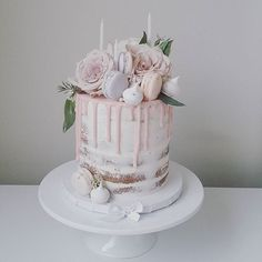 Birthday cake for a special little girls birthday ♡ Naked cake with blush…