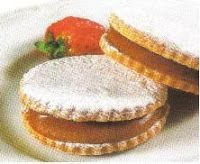 Alfajores de Manjarblanco - Postres Peruanos - Peruan Recipe Peruvian Desserts, Peruvian Dishes, Peruvian Cuisine, Peruvian Recipes, Cookie Desserts, No Bake Desserts, Baking Cookies, Baby Food Recipes, Cooking Recipes