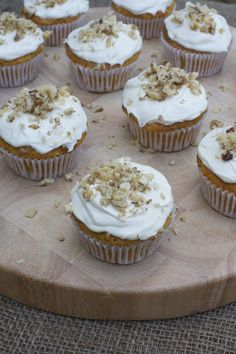 super easy and delish carrot cupcakes from Phoodie's blog