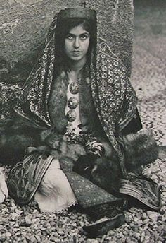 Traditional costume of Kastelorizo, the smallest island of the (Greek) Dodecanese islands (a few km south of Kaş). Clothing style: 1900-1950.