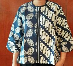 Batik jacket                                                                                                                                                                                 More Batik Blazer, Blouse Batik, Batik Dress, Kebaya Dress, Batik Kebaya, Blouse Dress, Batik Pattern, Batik Fashion, Muslim Fashion