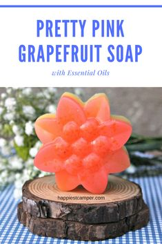 Learn how to make essential oil soap with moisturizing properties and a pink grapefruit scent. Making Essential Oils, Essential Oils Soap, Grapefruit Essential Oil, Soap Making Recipes, Soap Recipes, Diy Beauty Crafts, Pink Grapefruit, Garden Gifts, Home Made Soap