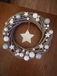 Wieniec bożonarodzeniowy Baymax, Projects To Try, Diy Crafts, Christmas, Decor, Art, Xmas, Yule, Decoration