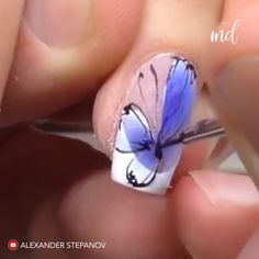 --Video Pin-- Butterfly nails are for sure a blissful symbol of Spring! By: shapeofnail Nail Art Flowers Designs, Butterfly Nail Designs, Butterfly Nail Art, Nail Art Designs Videos, Nail Art Videos, Beautiful Nail Designs, Uñas One Stroke, Manicure, Light Nails