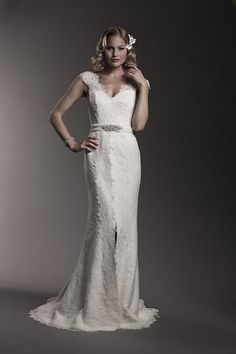 Michelle Roth: V-Neck A-Line Gown in Silk - A natural- Mermaids ...