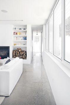 polished concrete floors - Blue Hills House / la SHED architecture Terrazzo, La Shed Architecture, Polished Concrete Flooring, Concrete Lamp, Stained Concrete, Concrete Countertops, Style At Home, House On A Hill, Flooring Options