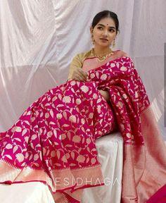 Explore the timeless fashion Half Saree Lehenga, Saree Look, Dress Indian Style, Indian Dresses, Wedding Saree Collection, Bridal Collection, Bengali Bridal Makeup, Indian Ethnic Wear, Indian Girls