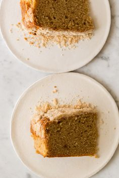 Sour Cream and Cinnamon Crumb Cake recipe // spoon fork bacon