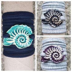 Armbänder für Damen aus Keramik, mit weichem Textilband...von KreativesbyPetra      #keramik #ceramic #ton #töpfern #töpferei #plattentechnik #Glasur #glaze #glasurbrand #glazebrand #botz #schmuck #jewellery #Anhänger #pendant #schmuckanhänger #jewelrypendant  #keramikanhänger #Unikat #handmade #handgemacht #Kunsthandwerk #Handwerk #DIY #geschenk #present #Meer #ocean #mädchen #mädels #girls #Damen #woman #textilband #schmuckband #jerseyband #jewelrybelt #geschenk #schnecke #slug #Struktur… Arts And Crafts, Canvas, Creative, Gifts