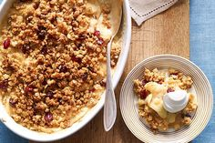 Try our Apple Crisp Recipe for a tasty treat thats ready in no-timethanks to instant vanilla pudding and a cranberry-pecan granola mix Yummy Treats, Delicious Desserts, Dessert Recipes, Yummy Food, Dessert Ideas, Quick Dessert, Diet Desserts, Dessert Bars, Healthy Desserts