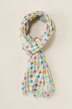 A pretty scarf in a choice of unique Seasalt prints. Our Everyday Scarf is made from pure cotton and finished with frayed edges. Perfect all year round.