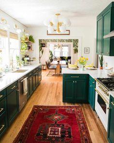 Boho Kitchen, Home Decor Kitchen, Home Kitchens, Kitchen Ideas, Design Kitchen, Bright Kitchens, Decorating Kitchen, Bright Kitchen Colors, Hippie Kitchen