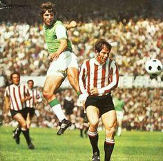 Sparta Rotterdam 0 Feyenoord 0 in April 1970. Wim van Hanegem heads at goal #Eredivisie