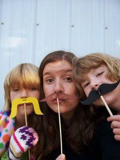 crafts,moustache,craft,fun,easy,kids,summer,summer camp,camp craft,