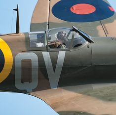 You can't imagine the feeling of wonder, viewing a vintage aircraft and watching a vintage aircraft flying. Ww2 Aircraft, Fighter Aircraft, Fighter Jets, Military Jets, Military Aircraft, Spitfire Supermarine, Ww2 Spitfire, Spitfire Airplane, Ww2 Planes