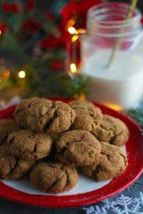 Soft and Chewy Gingerbread Cookies AIP Paleo Fed and Fulfilled Soft and Chewy Gingerbread Cookies AIP Paleo Fed and Fulfilled Joy Jenkins Paleo Soft and Chewy Gingerbread Cookies nbsp hellip Paleo cookies Paleo Cookies, Roll Cookies, Ginger Cookies, Delicious Cookies, Almond Cookies, Chocolate Cookies, Delicious Desserts, Cake Mug, Bowl Cake