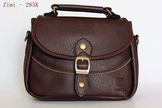 Túi đeo chéo Zimi ( nhỏ ), Kích thước 22x17x6 cm, Màu nâu đậm, Dây đeo tháo rời.  #tuideocheo