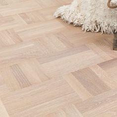 Bildresultat för parkett holländskt mönster Parquet Flooring, Hardwood Floors, Interior Design, Wood Floor Tiles, Nest Design, Wood Flooring, Home Interior Design, Interior Designing, Home Decor
