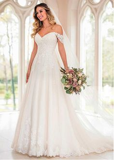Stella York Wedding Dresses - Search our photo gallery for pictures of wedding dresses by Stella York. Find the perfect dress with recent Stella York photos. Wedding Gown A Line, Making A Wedding Dress, Best Wedding Dresses, Saree Wedding, Dress Wedding, Trendy Wedding, Wedding Ideas, Party Dresses, Wedding Happy
