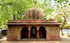 Tomb of Empress Lal Kunwar remains a controversial figure. A descendant of the celebrated musician Tansen, she had been a dancing girl before she married Jahandar Shah and became Empress of the Mughal Empire. Exercising immense influence over the emperor, she used her power to bestow noble ranks and official posts