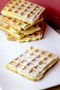 Fresh waffles with crème fraîche - Thermomix Backen - Pancakes Easy Cake Recipes Without Oven, Cake Recipes From Scratch, Easy Cake Recipes, Cookie Recipes, Tasty Pancakes, Homemade Pancakes, Crema Fresca, Easy Vanilla Cake Recipe, Recipe Tasty