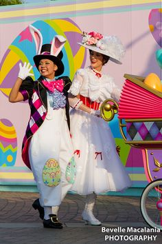 ディズニー・イースター・ワンダーランド 2012 | Flickr - Photo Sharing! Tokyo Disney Easter Parade Disney Cast, Run Disney, Disney Parks, Candy Costumes, Disney Costumes, Halloween Costumes, Costume Carnaval, Art Costume, Disneyland Parade