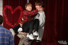 Japanese Boy, Christmas Sweaters, Photo Galleries, Honey, Actors, Boys, Image, Fashion, Baby Boys