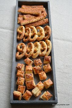 cele mai simple saratele asortate de casa Pastry Cake, How To Make Bread, Bread Baking, Cake Recipes, Sausage, Bakery, Appetizers, Food And Drink, Cooking Recipes