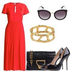 Vestito estivo rosso con scollo a goccia, décolleté open toe nere in pelle, borsa in pelle con dettagli oro opaco, occhiali da sole in nero ed oro, al polso bracciale rigido oro.