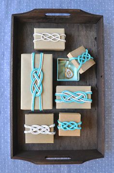 Nautical knot gift wrapping ideas for Christmas gifts, as well as little favor boxes for any occasion. To tie the knot is a beautiful thing . Creative Gift Wrapping, Wrapping Ideas, Creative Gifts, Wrapping Gifts, Nautical Favors, Nautical Knots, Nautical Party, Vintage Nautical, Nautical Wedding