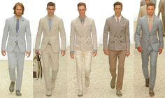 How To Look Your Best On Your Wedding Day. Photo by petramafalda On your big day, all eyes will be on you so you definitely want to look your best. Beach Wedding Groom Attire, Wedding Suits, Wedding Beach, Groom Outfit, Groom Dress, Dress Code Guide, Groom Looks, Groom And Groomsmen, Cool Suits