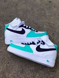 Cute Nike Shoes, Cute Nikes, Jordan Shoes Girls, Girls Shoes, Ropa Brandy Melville, Baskets, Air Force Shoes, Swag Shoes, Aesthetic Shoes