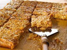 Toscapiirakka Tray Bake Recipes, Cake Recipes, Dessert Recipes, Dessert Bars, Finnish Recipes, Sweet Bakery, Sweet Pastries, Sweet Pie, Food Tasting