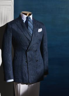 der Shop für den Gentleman www. Der Gentleman, Gentleman Style, Stylish Men, Men Casual, Suit Fashion, Mens Fashion, Suit Combinations, Suit And Tie, Well Dressed Men