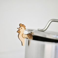 How cute and great is this! Let's the steam escape from the pan. Love it!