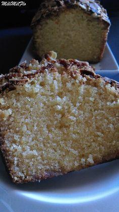 Cake à la pâte d'amande, pour ceux qui font régime, fuyez !!!!!!!!! lol étape par étape 3 oeufs 180 g de farine 1 sachet de levure chimique 2 cuillères à soupe d'amaretto 110 g de sucre fin 110 g de beurre mou 5 cl de lait 30 g d'amandes effilées 150...