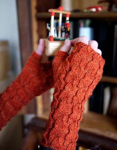 I knitted these gloves a few weeks ago and they were a challenge!