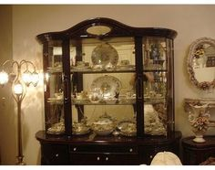 How to Display Items in a China Cabinet | eHow.com