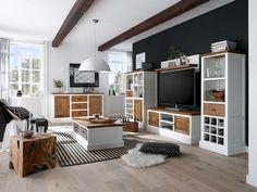 Serie Sampan von massivum.de  Sampan überzeugt mit eigener Handschrift. Vom Couchtisch bis zum Highboard setzen die Möbel unverwechselbare Akzente. Gefertigt aus weißem Waru Holz und mit rustikalen Teakholzelementen veredelt.