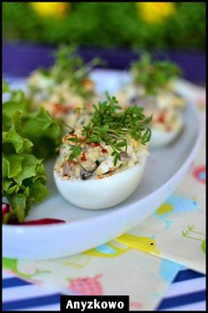 Eggs stuffed with mushrooms Easter Dinner, Easter Food, Easter Recipes, Panna Cotta, Stuffed Mushrooms, Eggs, The Incredibles, Poland, Ethnic Recipes