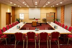Eines der Konferenz- & Seminarräume / One of the conference and seminar rooms | RAMADA Hotel Darmstadt
